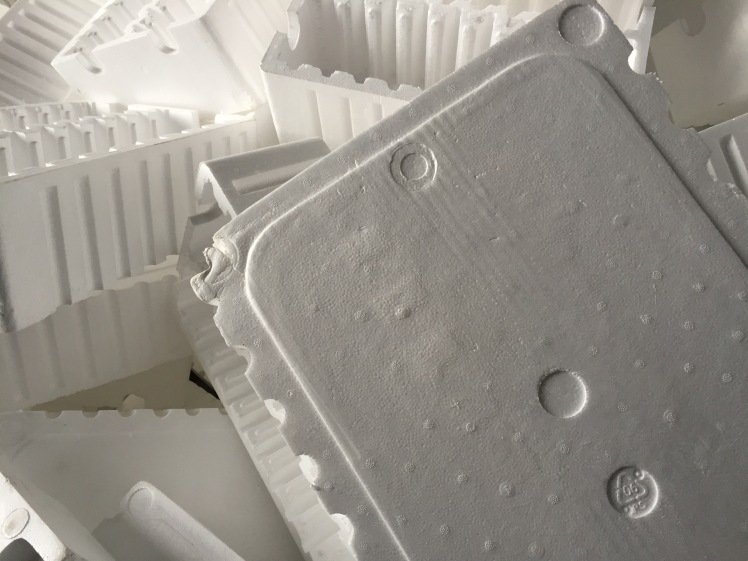 Panaudotas putplastis gali būti įvairių formų, skirtingo tankio ir spalvos