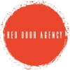 Raudonos durys, MB logotipo