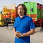 2011 07 13. Renaldas Pelanis, traktoriais, žemės nuotraukos