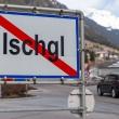 2.500 turistų iškėlė bylą Austrijos slidinėjimo kurortui dėl užkrėtimo koronavirusu