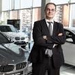 automobiliu prekybos ateiti regi internete