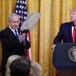 D. Trumpas siūlo įkurti Palestinos valstybę, įšaldyti veiklą nausėdijose