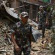 Nepale aukų skaičius auga, ieškoma išgyvenusiųjų