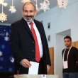 Pirmalaikiai rinkimai Armėnijoje: pergalė prognozuojama premjero partijai
