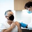"""V. Orbanas pasiskiepijo kiniška vakcina, čekai ketina įsileisti """"Sputnik"""""""