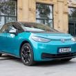 """""""Volkswagen"""" grupės elektromobilių pardavimai pernai išaugo daugiau nei dvigubai"""
